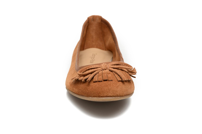 Ballerines Georgia Rose Lafrange Marron vue portées chaussures