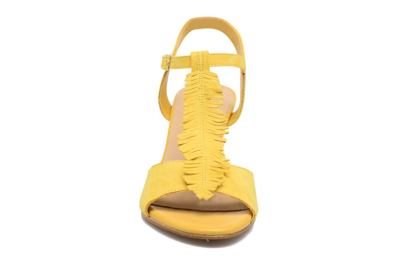 Sandales et nu-pieds Georgia Rose Lilifrange Jaune vue portées chaussures