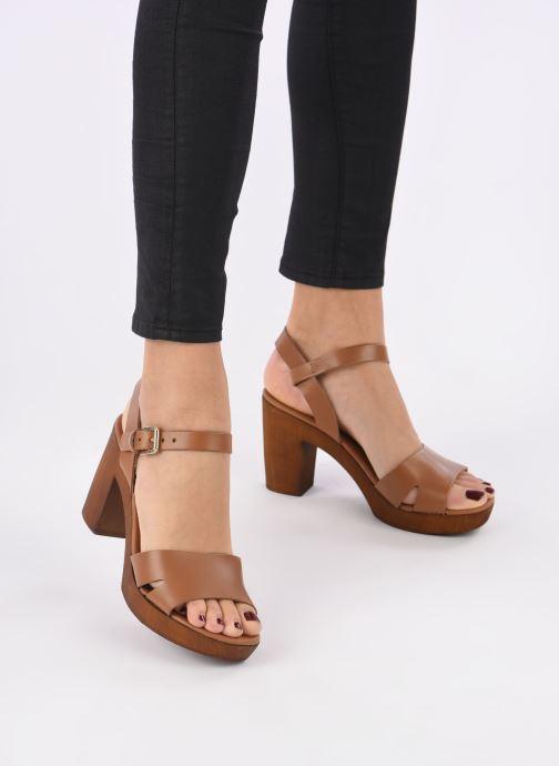 Sandales et nu-pieds Georgia Rose Dobou Marron vue bas / vue portée sac