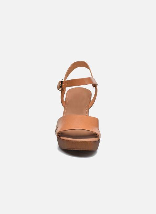 Sandales et nu-pieds Georgia Rose Dobou Marron vue portées chaussures
