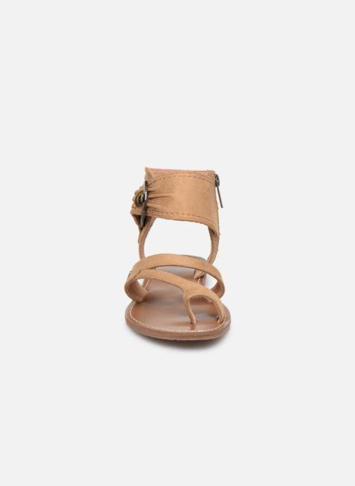 Sandales et nu-pieds Les P'tites Bombes PENSEE Beige vue portées chaussures