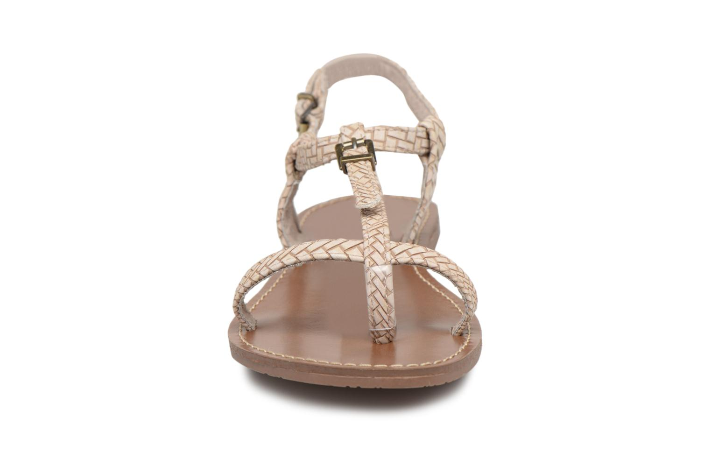 Sandales et nu-pieds Les P'tites Bombes Zhoe F Beige vue portées chaussures
