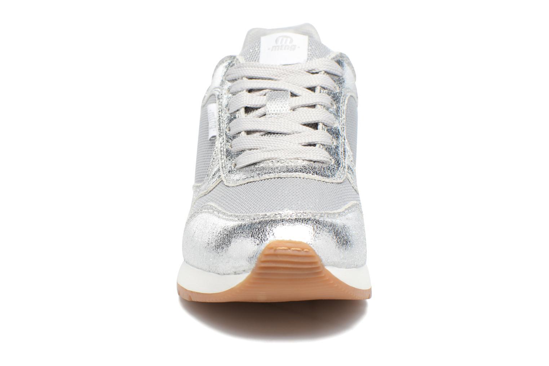 Baskets MTNG Rio 69245 Argent vue portées chaussures