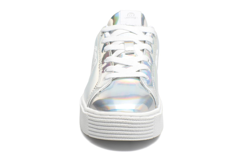 Sneakers MTNG Templo 69206 Argento modello indossato