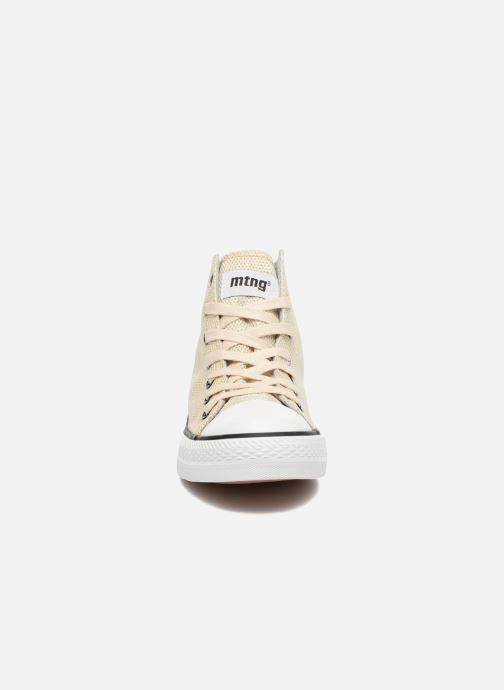 Sneakers MTNG Emi 13992 Oro e bronzo modello indossato