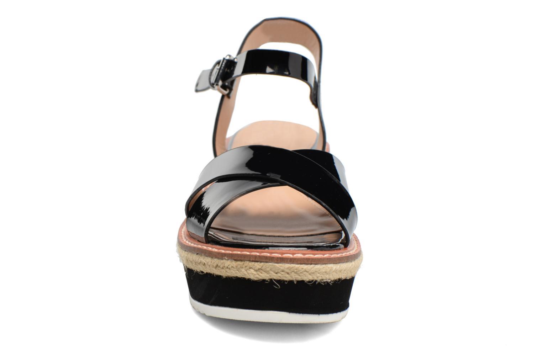 Sandales et nu-pieds MTNG Alexandra 55409 Noir vue portées chaussures