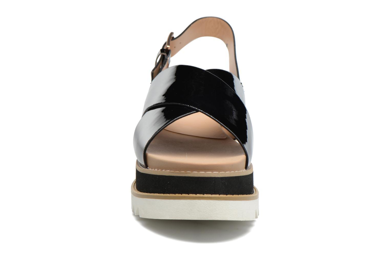 Sandaler MTNG Virginia 50915 Sort se skoene på