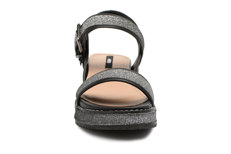 Sandali e scarpe aperte MTNG Marguerita 50801 Nero modello indossato