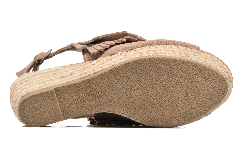 Sandali e scarpe aperte Minnetonka Ashley Beige immagine dall'alto