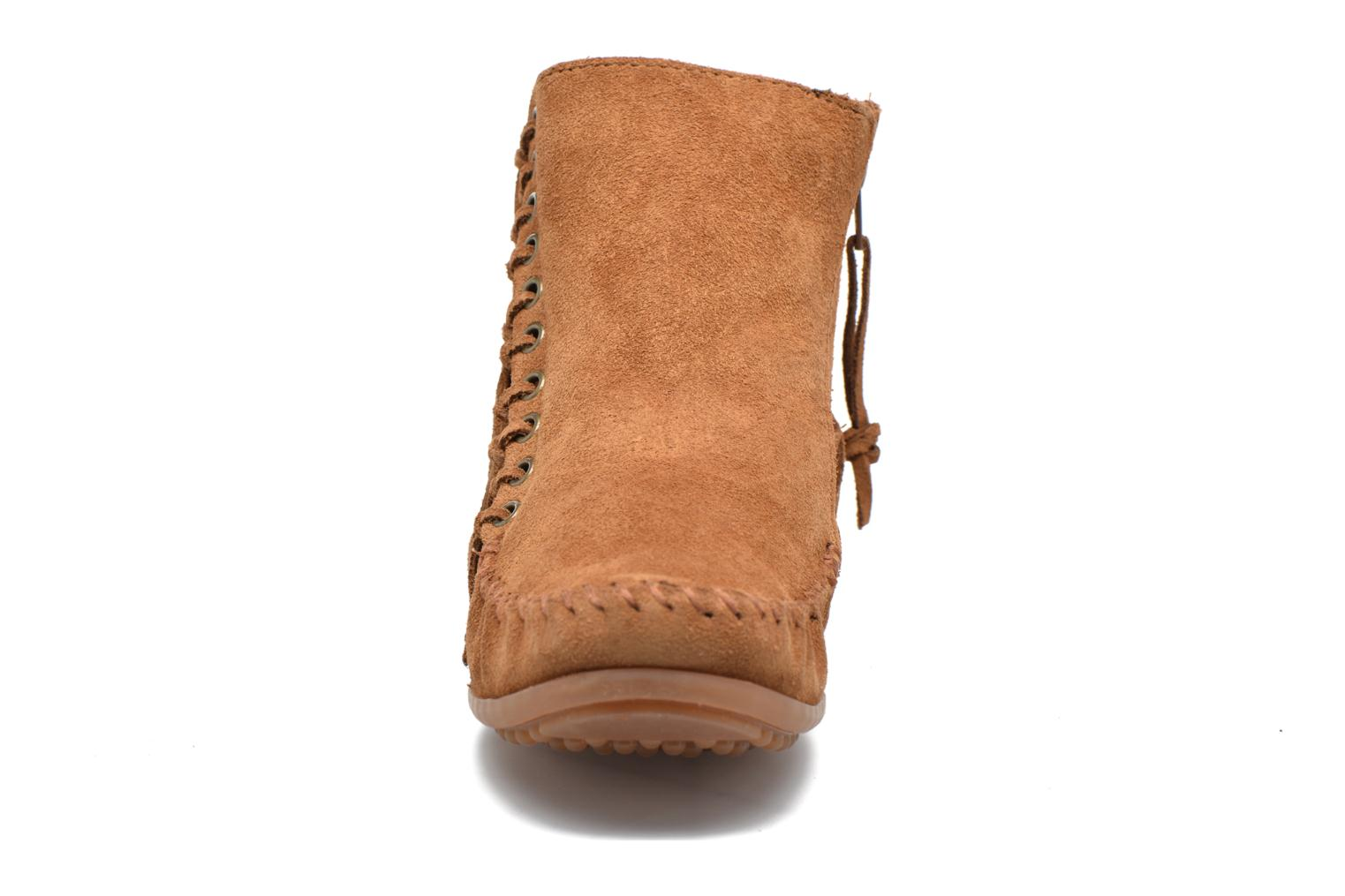 Boots en enkellaarsjes Minnetonka Willow Boot Bruin model