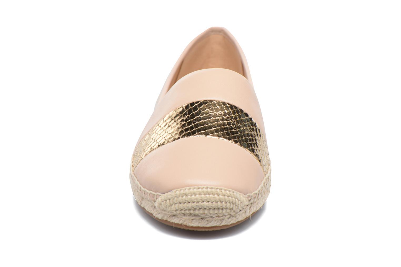 Scarpe di corda Michael Michael Kors Ivy Slip On Rosa modello indossato