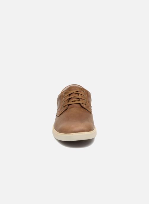 Sneakers Timberland Fulk LP Ox Marrone modello indossato