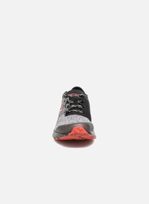 Chaussures de sport Under Armour Charged Bandit 2 Gris vue portées chaussures