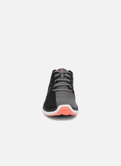 Chaussures de sport Under Armour Slingflex W Noir vue portées chaussures