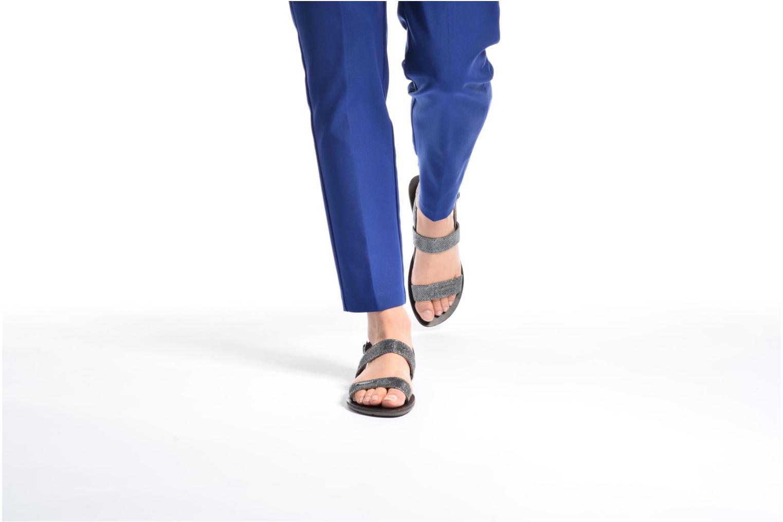Sandales et nu-pieds Chattawak Nadine Gris vue bas / vue portée sac