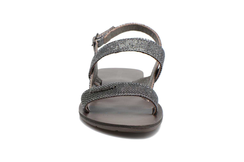 Sandales et nu-pieds Chattawak Nadine Gris vue portées chaussures