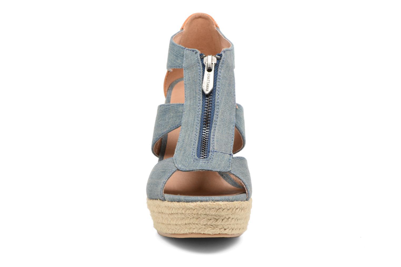 Sandali e scarpe aperte Chattawak Debby Azzurro modello indossato