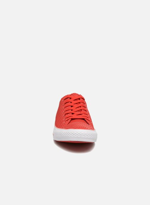Baskets Converse Ctas Pro Ox Rouge vue portées chaussures
