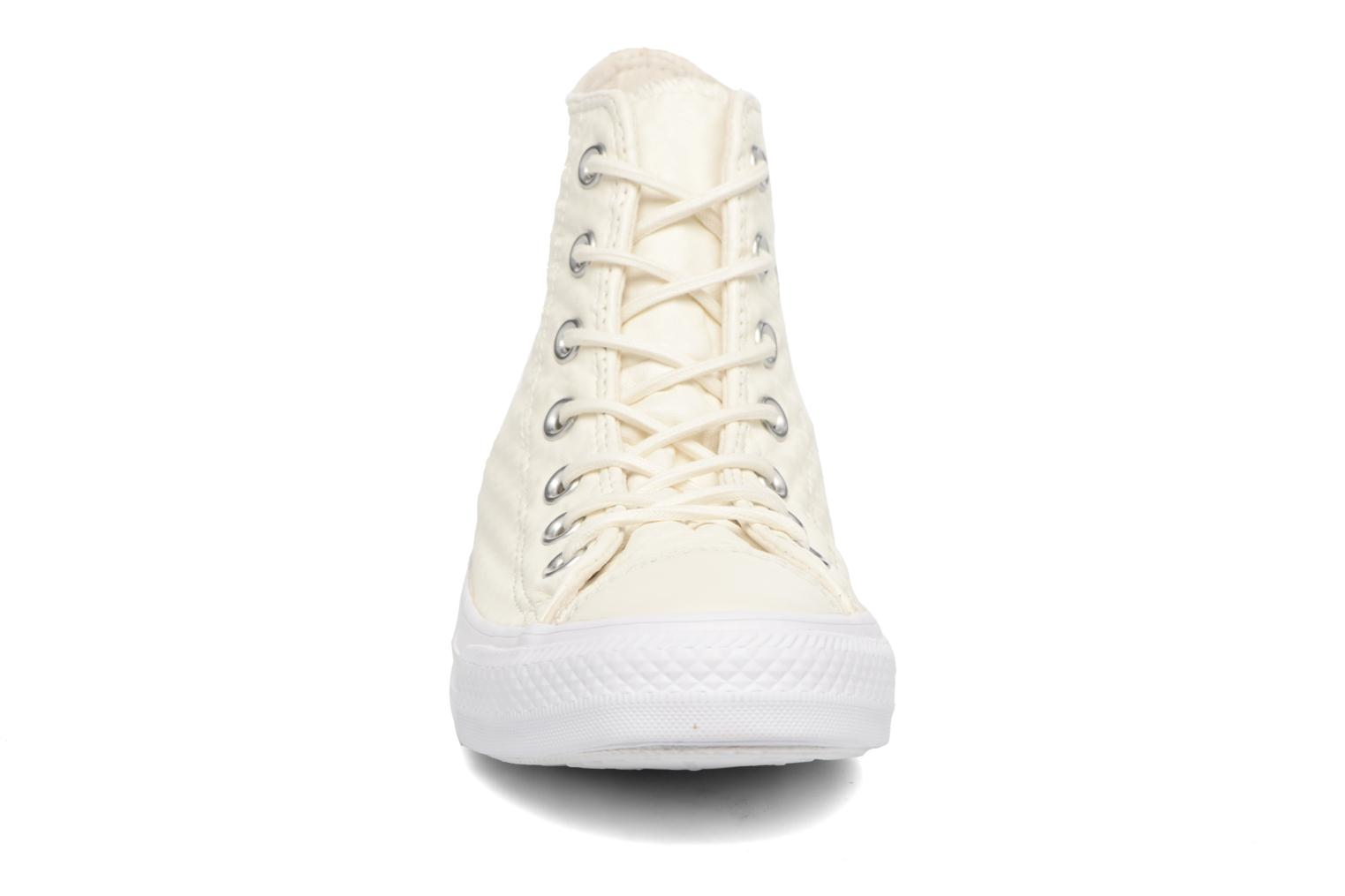 Sneaker Converse Chuck Taylor All Star Craft Leather Hi weiß schuhe getragen