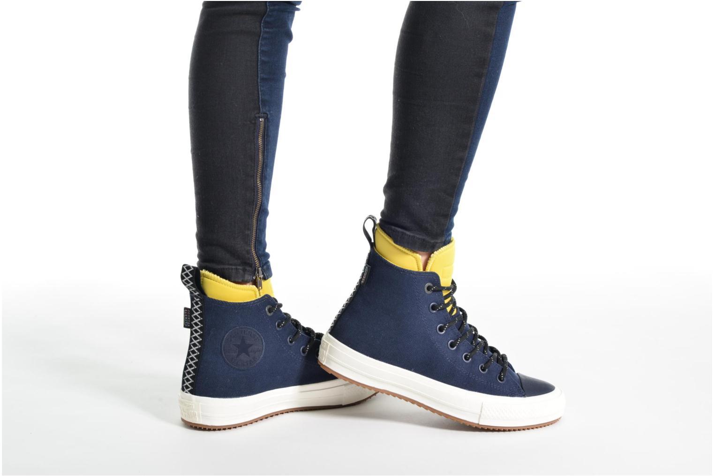 Sneaker Converse Chuck Taylor All Star II Hi Shield Canvas Boot W blau ansicht von unten / tasche getragen