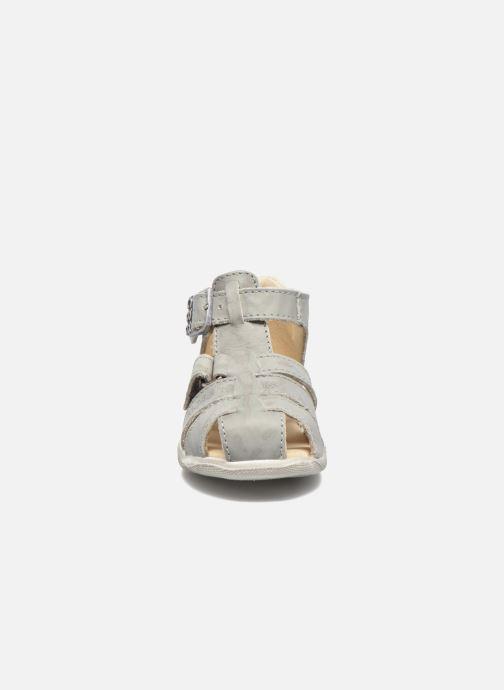 Sandales et nu-pieds GBB Manolo Gris vue portées chaussures