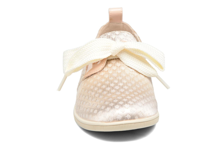 Sneakers Armistice Stone One Palace Oro e bronzo modello indossato