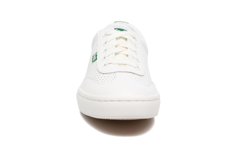 Sneakers Keds Tournament Perf Bianco modello indossato