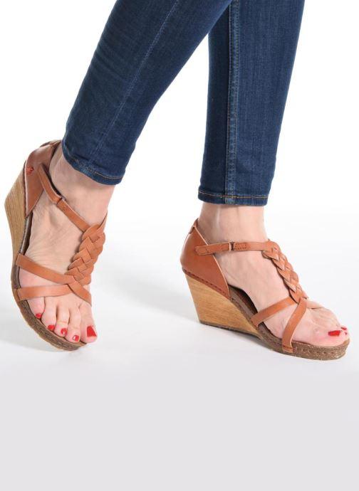 Sandales et nu-pieds Art Valby 438 Rouge vue bas / vue portée sac