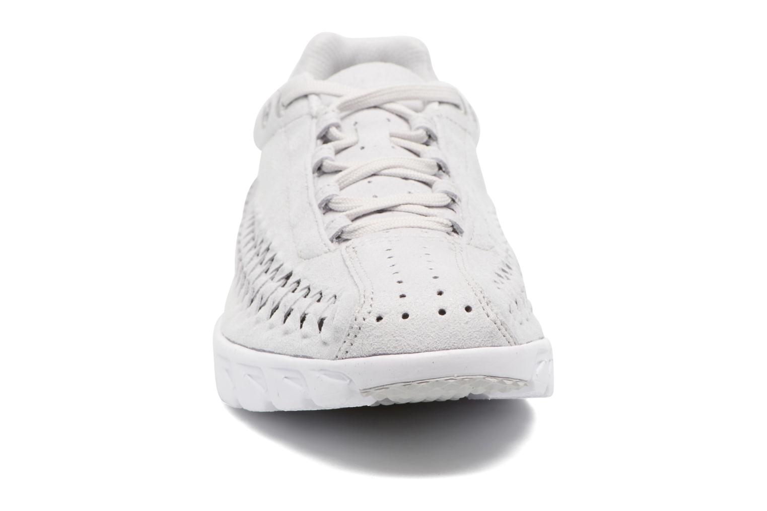 Trainers Nike Nike Mayfly Woven Grey model view