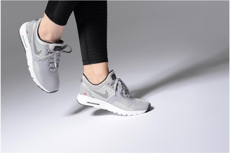 Baskets Nike W Nike Air Max Zero Qs Gris vue bas / vue portée sac