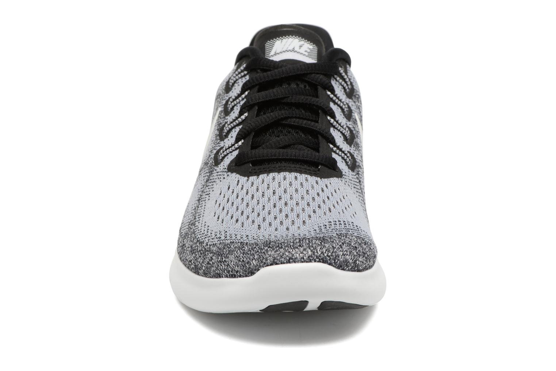 Scarpe sportive Nike Wmns Nike Free Rn 2017 Grigio modello indossato