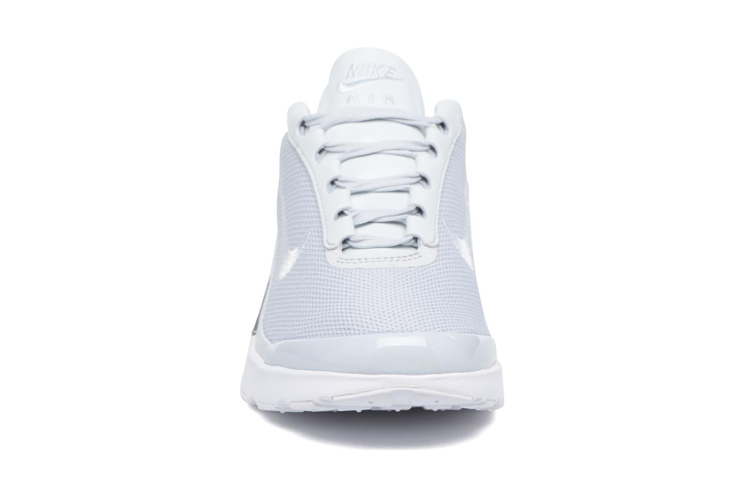 Baskets Nike W Nike Air Max Jewell Prm Gris vue portées chaussures