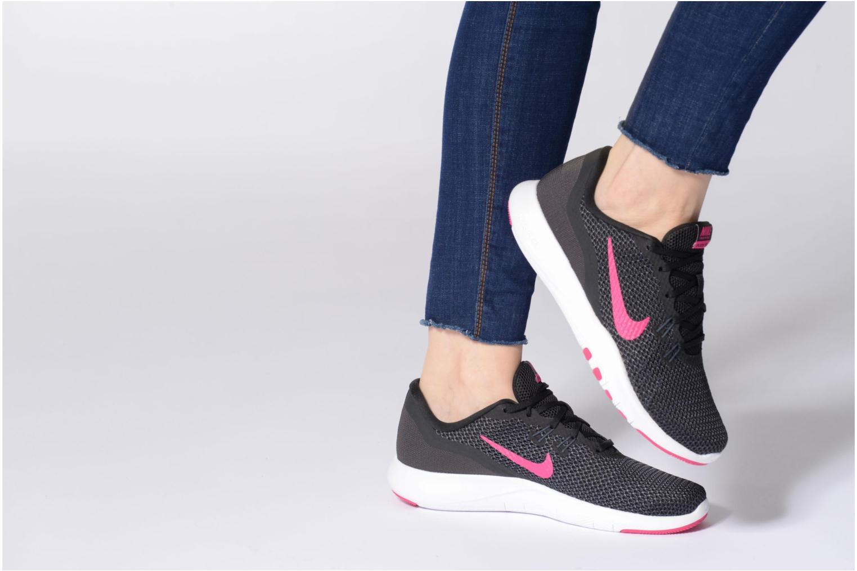 Chaussures de sport Nike W Nike Flex Trainer 7 Rose vue bas / vue portée sac