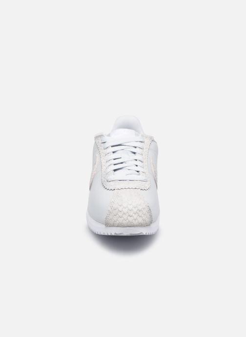 Sneaker Nike Wmns Classic Cortez Prem beige schuhe getragen