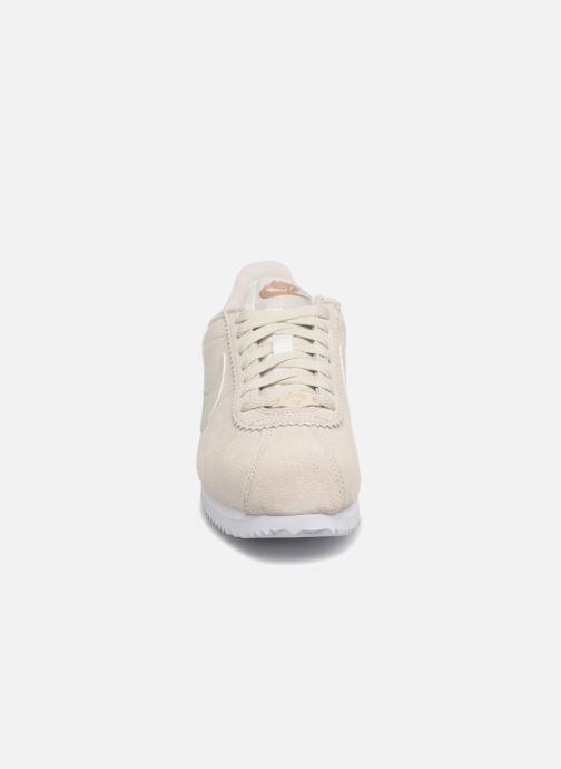 Sneaker Nike Wmns Classic Cortez Prem grau schuhe getragen