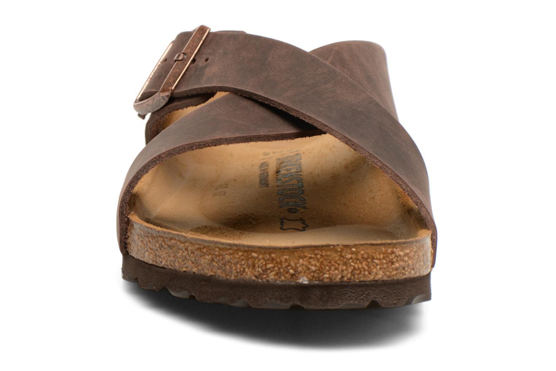 Sandales et nu-pieds Birkenstock Tunis Marron vue portées chaussures