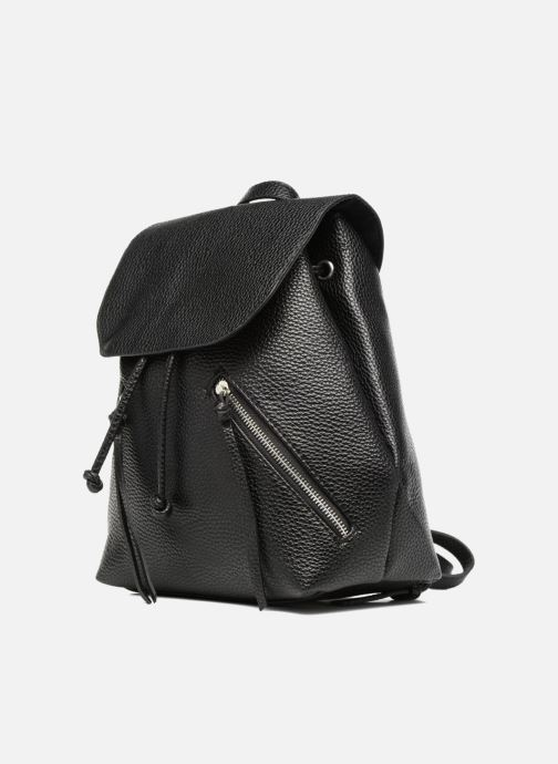 Sacs à dos Pieces Billie Backpack Noir vue portées chaussures