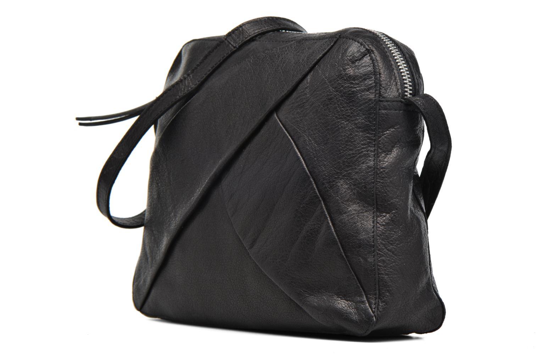 Sacs pochettes Pieces Dacil Leather Cross Over Bag Exp Noir vue portées chaussures