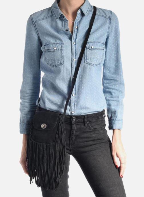 Sacs pochettes Pieces Pusle Suede Cross Body Bag Noir vue bas / vue portée sac