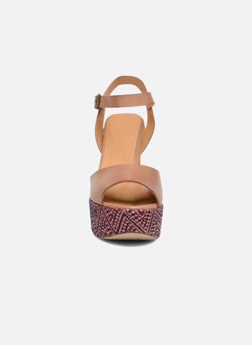 Sandales et nu-pieds Elizabeth Stuart Blanche Marron vue portées chaussures