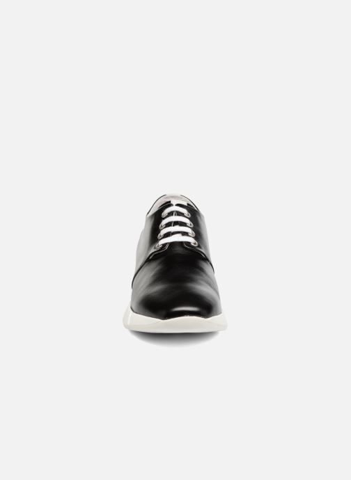 Baskets Elizabeth Stuart Gozi 304/2 Noir vue portées chaussures