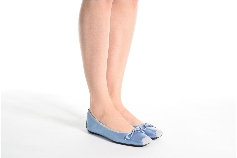 Ballet pumps Elizabeth Stuart Lacq 391 Blue view from underneath / model view