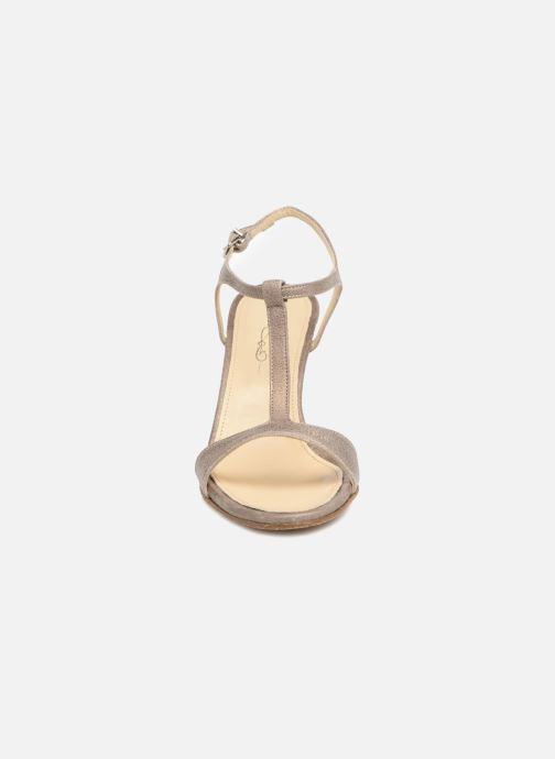 Sandales et nu-pieds Elizabeth Stuart Bhm 415 Argent vue portées chaussures
