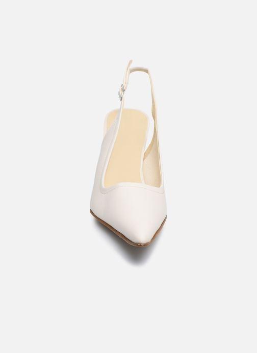 Zapatos de tacón Elizabeth Stuart Debrys 304 Beige vista del modelo