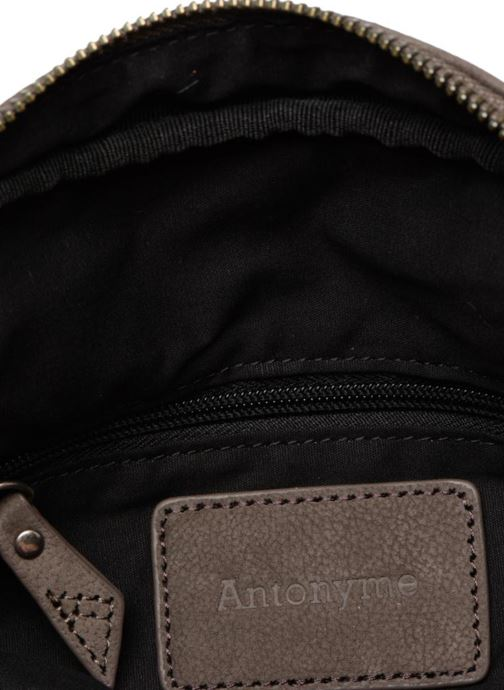 Herrentaschen Antonyme by Nat & Nin Porté travers Cuir Lucien braun ansicht von hinten