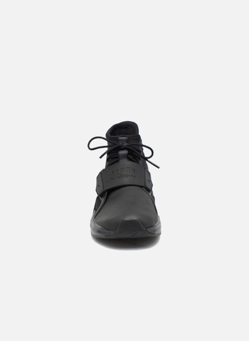 Sneaker Puma FENTY TRAINER WN schwarz schuhe getragen