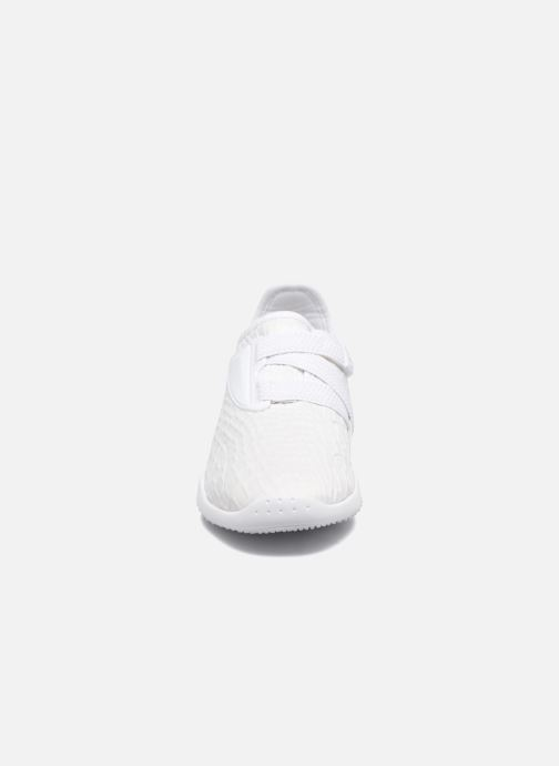 Baskets Puma WNS MOSTRO FASHION Blanc vue portées chaussures