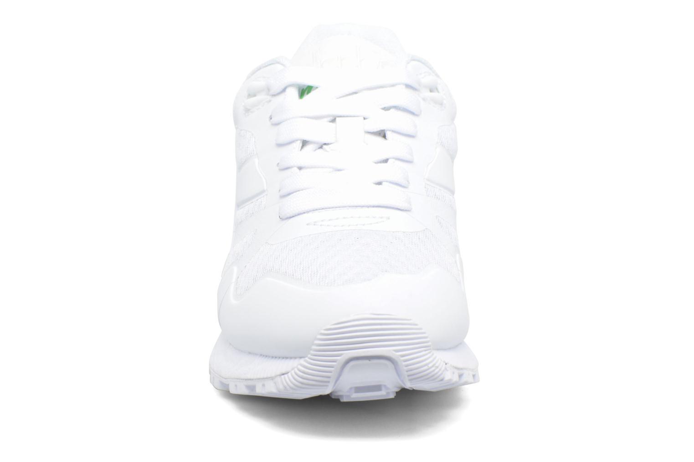 Baskets Diadora N9000 MM II Blanc vue portées chaussures