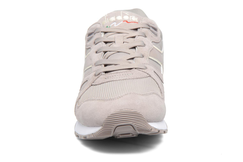 Sneakers Diadora N9000 III Grijs model