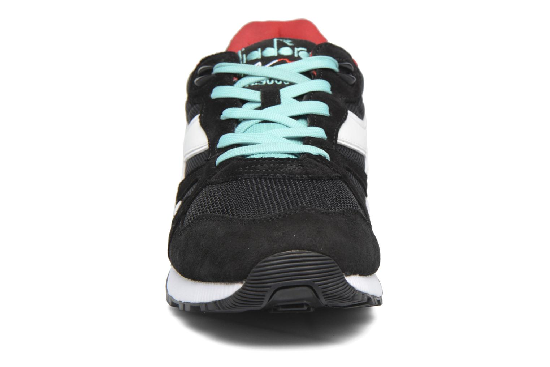 Baskets Diadora N9000 III Multicolore vue portées chaussures
